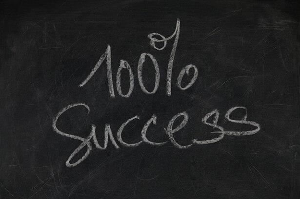 tablica z  napisem sukces