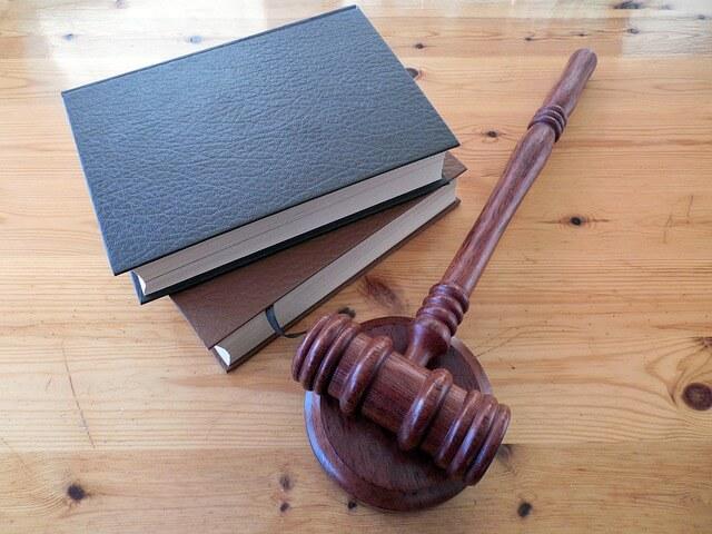 rozprawa w sądzie