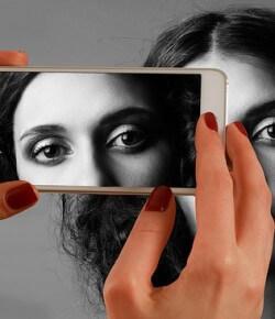 Co mówią oczy? Przekaz niewerbalny informacją o emocjach