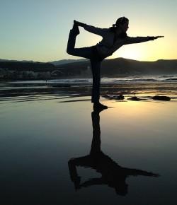 Co daje joga? Jakie korzyści i wątpliwości?