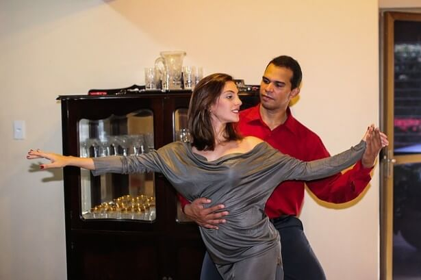 para tańczy