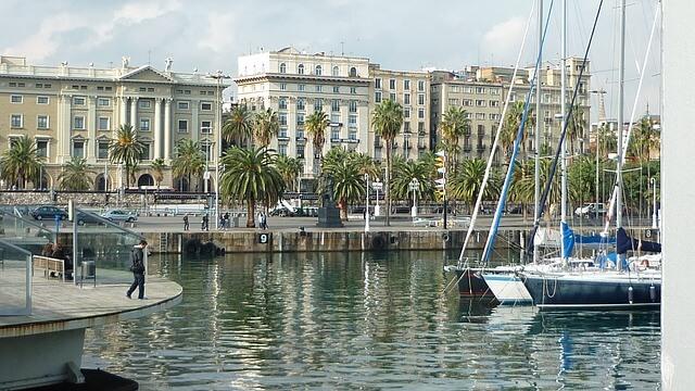 Panorama portu w Barcelonie