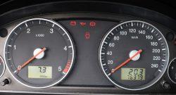 Jak oszczędzać na paliwie? 10 sposobów na ekonomiczną jazdę samochodem