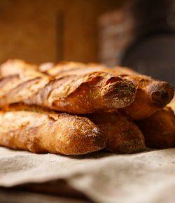 Skrzynki do pieczywa – jakie wybrać do piekarni?