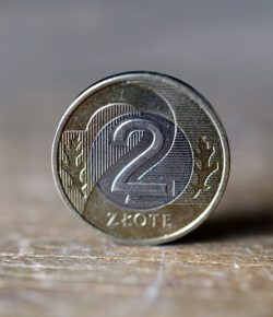 Pożyczka pozabankowa a kredyt w banku – jakie różnice?