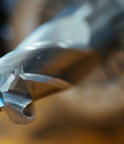 Rodzaje wierteł do metalu a materiał, mocowanie wiertła, kształt, rozmiar…