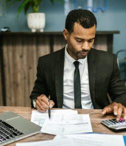 Czy ugoda z bankiem przy kredycie frankowym się opłaca?